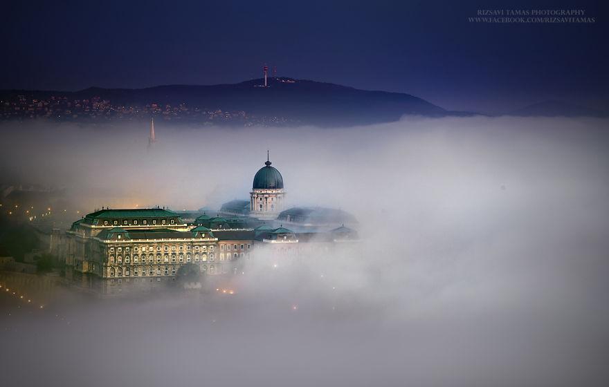 تصویر جالب بوداپست در مه