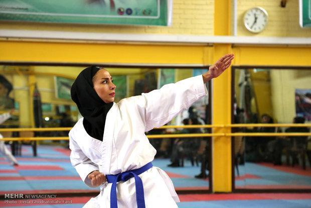 مسابقات لیگ کاراته بانوان استان مرکزی در اراک برگزار گردید