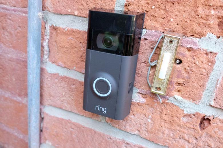 آمازون رینگ در حال کار روی ویژگی است تا با یک تماس اضطراری تمام دوربین های نزدیک خود را فعال کند