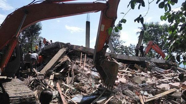 بی خانمان شدن 43 هزار اندونزیایی بر اثر زمین لرزه