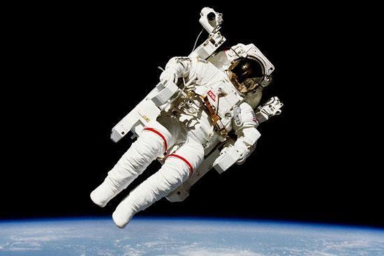 لباس هوشمند پرای فضانوردان ساخته می شود