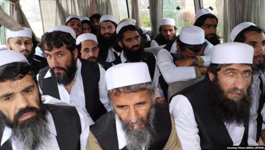 خبرنگاران 100 نفر دیگر از زندانیان طالبان در افغانستان آزاد شدند