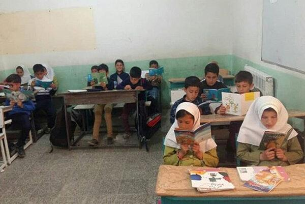 محرومیت هزار و 220 دانش آموز فاروجی از اینترنت