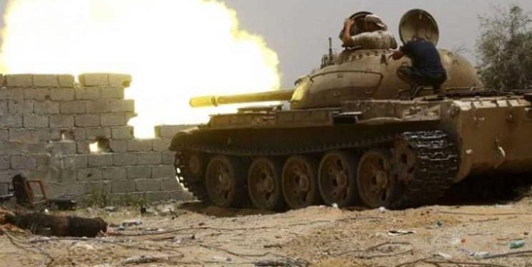 تداوم مداخله امارات در لیبی؛ ارسال بالگرد و قایقهای توپدار برای نیروهای حفتر