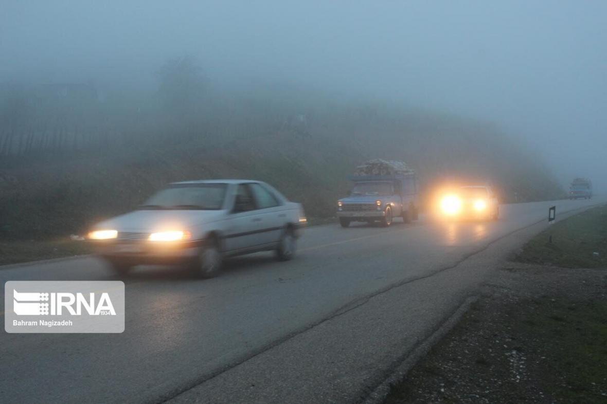 خبرنگاران مه، دید افقی در جاده های کردستان را کاهش داد