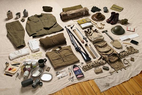 سرباز ها از قرن یازده میلادی تا به امروز، مجبور بوده اند چه چیز هایی با خود داشته باشند و حمل نمایند؟