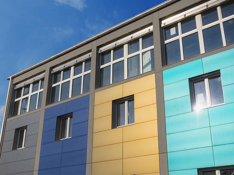 دیگر نگران زرد&zwnjشدگی سنگ&zwnjهای نمای ساختمان نباشد ، نانوپوشش محافظ راهکاری نوین در برابر تابش خورشید