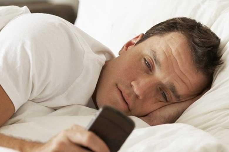 اختلال خواب منجر به افسردگی بزرگسالان می&zwnjشود