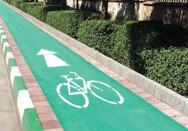 انتقاد از کوچک شدن پیاده رو ها برای احداث جهت دوچرخه