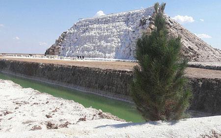 آبشار نمکی پتاس؛ از جاذبه های طبیعی خور و بیابانک، تصاویر