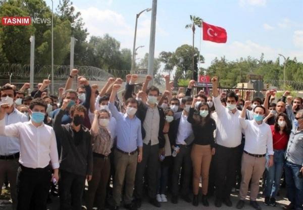 تجمع اعتراضی مردم ترکیه در مقابل پایگاه هوایی اینجرلیک