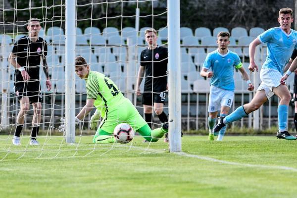 لیگ برتر اوکراین، کسب سهمیه اروپایی توسط تیم صیادمنش و زاهدی