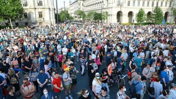 اعتراض گسترده در مجارستان علیه ساخت یک دانشگاه چینی در بوداپست