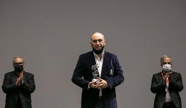 سیمرغ سیمین جشنواره جهانی فیلم فجر در دستان فرخ نژاد